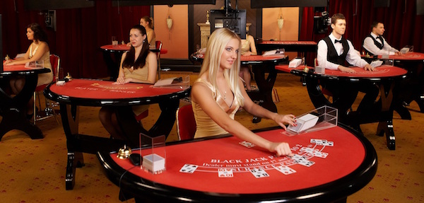 Initial Combinations in Blackjack at Live Casino